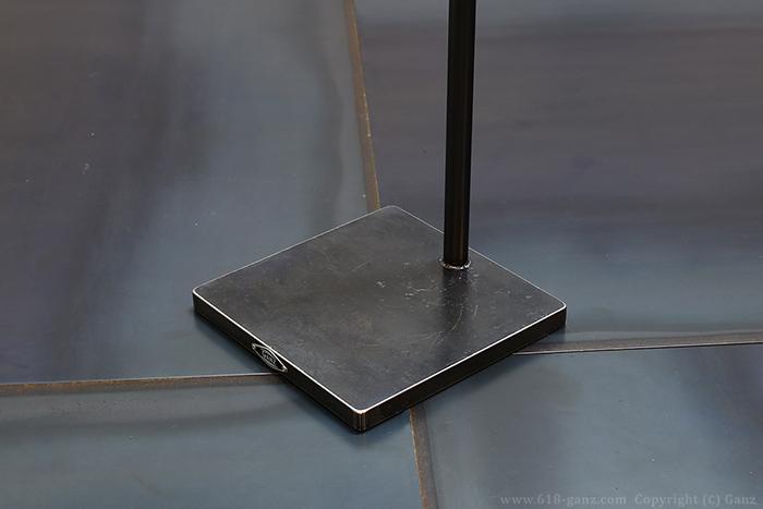 傾斜ハンガーラックの極厚鉄板ベース