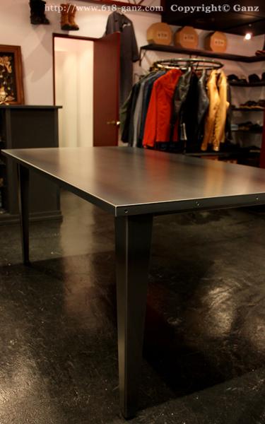 アイアントップテーブル