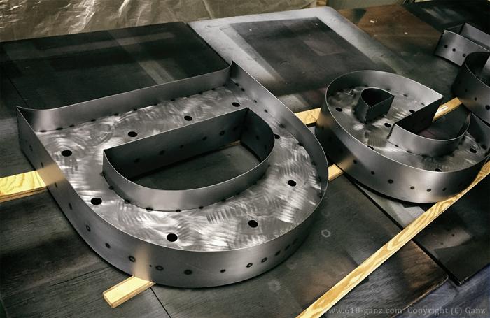 マットクリアコーティングで鉄の表面を保護