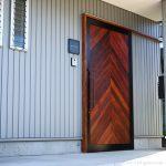 ガレージ用のアイアンドア(鉄ドア)