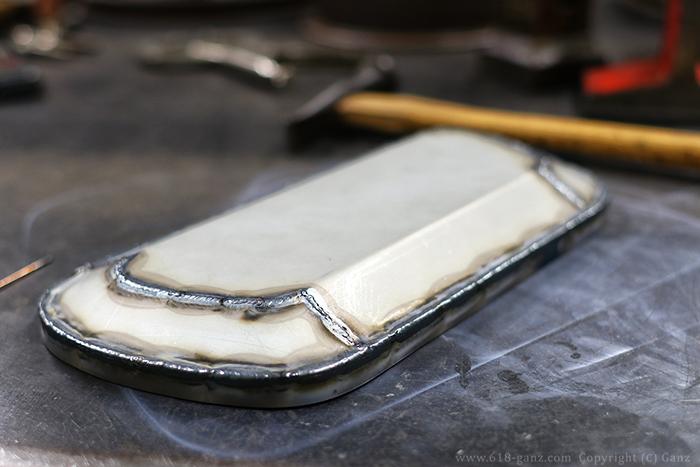 鉄板から鈑金して灰皿のフタを製作